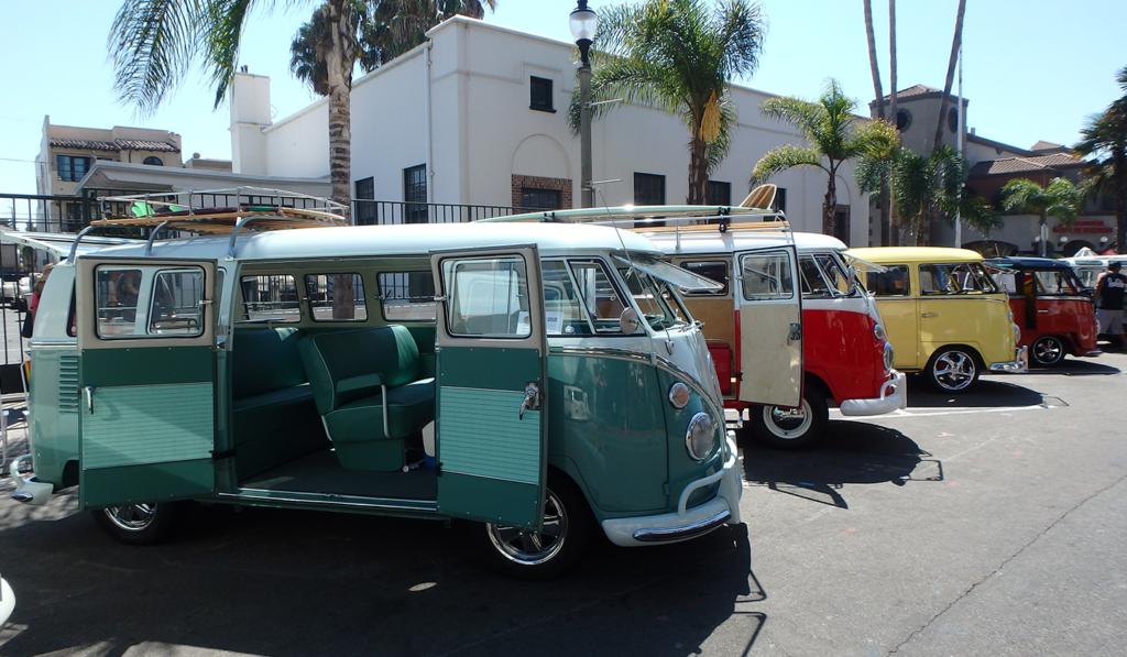 Location de voitures anciennes pour organiser un rallye vintage pour son entreprise