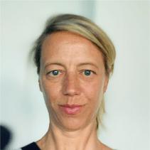 Portrait de Marine Simon, Responsable de la Filière Tourisme au Crédit Agricole du Finistère