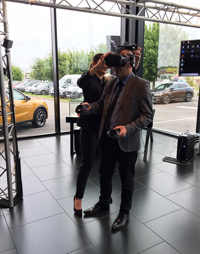 Atelier réalité augmentée lors d'une portes ouvertes dans une concession automobile du Grand Ouest