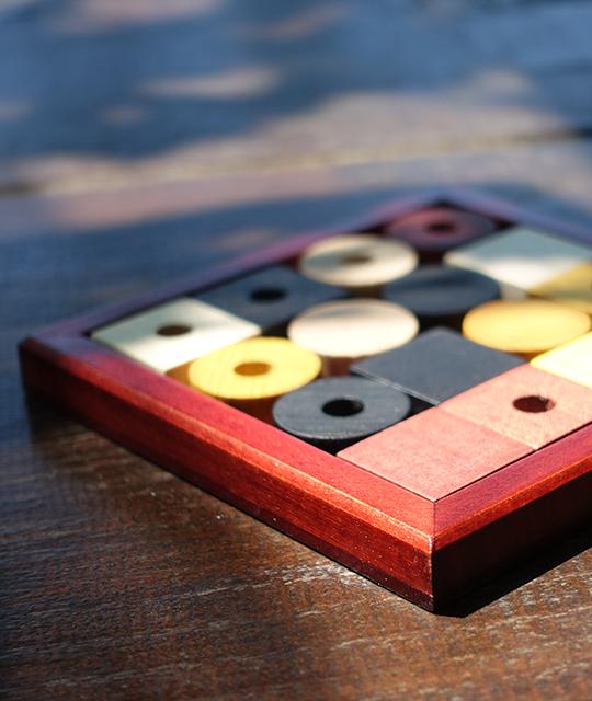 Jeu de casse-tête en bois pour louer une animation d'escape game mobile